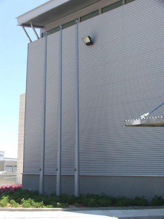 Instalación de subversivos de acero connie en la Zona Industrial Bears Modiin