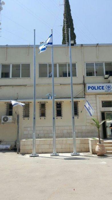 Установка мачты стали Конни высота 8 метров в Рамла полиции
