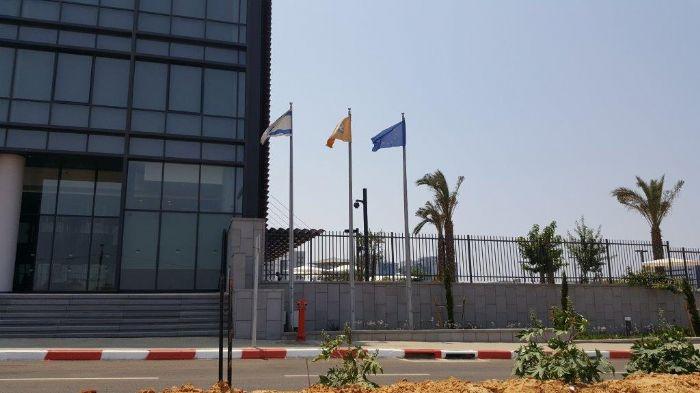 תורן Connie steel mast at Sapp Ra'anana